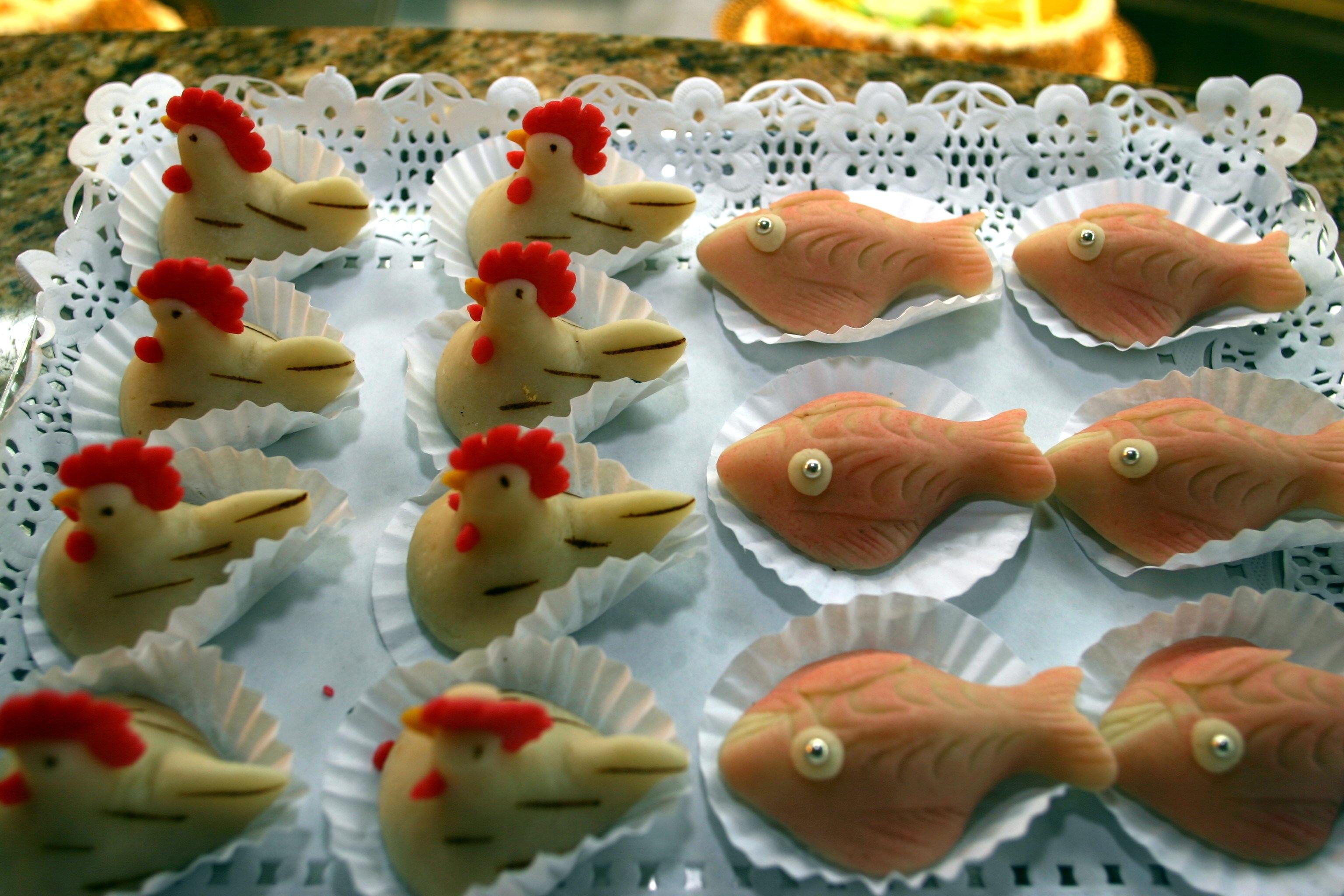 Bolinhos de Amêndoa, ovos moles, fios de ovos, dom rodrigos, Algarve, doces do Algarve, doces de algarve, pastelaria Gardybolinhos de amêndoa, doce fino, doces de Faro